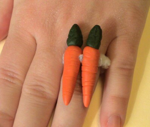 engagement-ring-funny-2-karat-carrot-big-joke