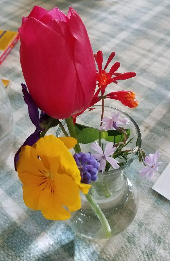 Easter Bouquets April 1 2018 (5)