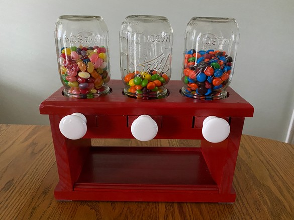 Candy Dispenser (5A)