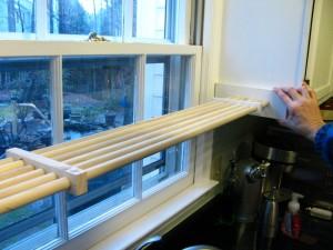 DIY Kitchen Plant Shelf (13)