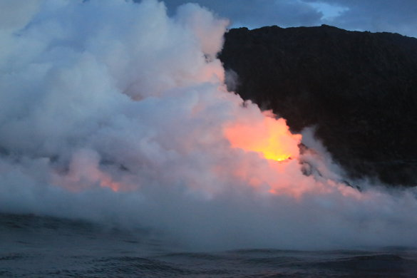 Source: http://www.bigearth.com/extremefrontiers/usa/wp-content/uploads/2013/06/14.-Look-at-the-incredible-steam-created-when-the-molten-lava-hits-the-water.jpg